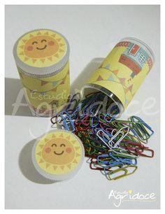 Tubinho com mini-clips coloridos. <br>Pronta entrega!