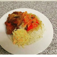 Lunch up fried chicken with white rice.       #jamaicanfriedchicken #jamaicanfood #foodporn #friedchicken #caribbeanfood #oldtrafford #jerkchicken #riceandpeas #currygoatchops #bobmarley #lunch #food #yummy #healthy #chefslife #chef #truecooks #chefsofinstagram #foodie #cheflife #cooking #chefstalk #cook #kitchen #pastry #culinary #foodart #delicious #kitchenlife #theartofplating by chefmackster1don
