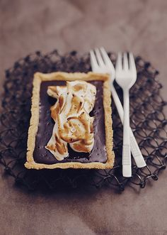 Can I cover my walls with photographs of food? <3