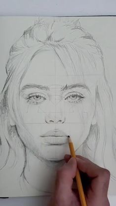 Girl Drawing Sketches, Art Drawings Sketches Simple, Pencil Art Drawings, Realistic Drawings, Face Drawings, Portrait Sketches, Pencil Portrait, Draw Character, Art Drawings Beautiful