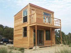 Les Chalets en bois www. Small Tiny House, Modern Tiny House, Micro House, Tiny House Cabin, Tiny House Living, Small House Design, Small House Plans, Cabin Homes, House Floor Plans