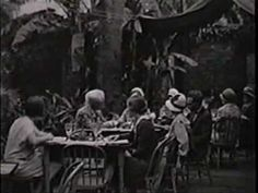 Film footage of New Orleans in the 1920's. Watch the end for vintage shots of mardi gras krewes!