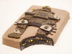 #Threadcakes 2012 Winner - Making Friends is Easy - robot cake