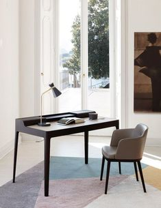 Saffo Desk by Porada, designed by Carlo Ballabio Discover our collection of modern designer furniture and lighting. Office Interior Design, Best Interior, Office Interiors, Interior Design Inspiration, Study Table Designs, Writing Desk With Drawers, Glass Room Divider, Milan Design, Table Desk