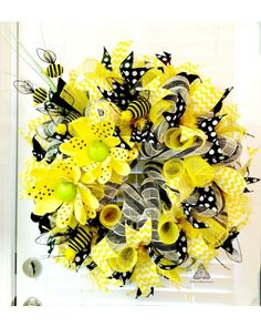 Buzzzy Bees, Honey Bee Deco Mesh Wreath | CraftOutlet.com Photo Contest