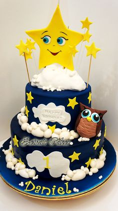 twinkle little star theme cake by Zeina's
