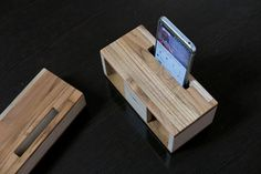 Hand made wooden speaker with smartphone dock. 수공예 무전력 우드스피커. 스마트폰거치대  http://storefarm.naver.com/wooritown/products/708868216