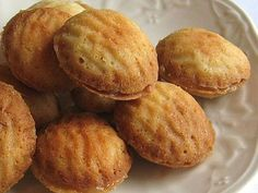 This recipe for melt-in-your-mouth Polish lemon cookies (cytrynowe ciasteczka) features a lemon cream filling and is perfect with tea or coffee.