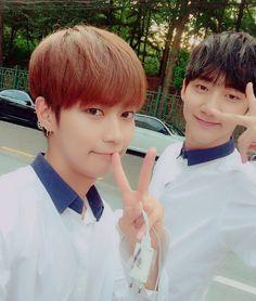 "160820 Heejun's Tweet ""[희준]지훈이형이랑 삉v #크나큰 #지훈 #희준 "" with Jihun hyung bbuingv #KNK #Jihun #Heejun Translated by KNK International © TAKE OUT WITH FULL CREDITS"