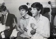 Tony Bramwell, George and Paul Paul Mccartney, Great Bands, Cool Bands, Beatles Band, Beatles Poster, Rock And Roll Bands, Rock Roll, Still In Love, The Fab Four