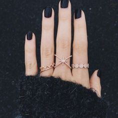 Gold rings. Diamond rings. Rose gold rings. Black nails. Perfect match. Pinterest: pearlxoxoxo