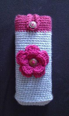 crochet glasses case with flower