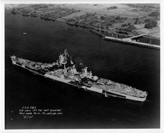 USS Alaska at Philadelphia Navy Yard, on July She was commissioned 13 days earlier. Navy Day, Go Navy, Military Life, Military History, Navy Coast Guard, Model Warships, Us Battleships, Dazzle Camouflage, Us Navy Ships