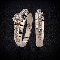 """""""كد : 11682 - 10993 حلقه و پشت حلقه طلاي شامپايني 18 عيار 32 عدد نگين برليان White حلقه : 2/100/000t انگشتر : 2/550/000t #Zomorodijewelry #Zomorodi…"""""""
