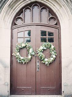 REAL WEDDINGS / WEDDING IDEAS / DIY WEDDINGS / VENDOR GUIDE / USED WEDDING DRESSES / BOUTIQUE / MAGAZINE