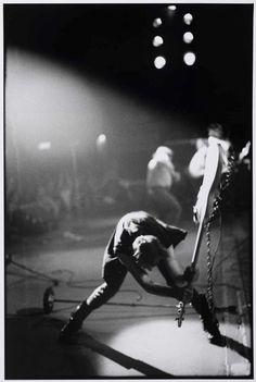 Le fils de Vivienne Westwood va brûler sa collection de photos punk estimée à 5 millions de livres   NOISEY