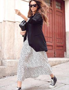 Le parfait total look noir et blanc # 35 (foto María Tilve) - Outfit - Fashion Moda, Look Fashion, Urban Fashion, Daily Fashion, Spring Fashion, Fashion Outfits, Fashion Trends, Fashion Details, Moda Chic