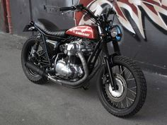 Kawasaki - 650 or bobber? Cheap Motorcycles, Vintage Motorcycles, Custom Motorcycles, Custom Bikes, Kawasaki Cafe Racer, Kawasaki Motorcycles, Retro Bikes, Street Tracker, Scooters