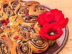 Makový květ s kapkou medu — Peče celá země — Česká televize Muffin, Breakfast, Food, Morning Coffee, Essen, Muffins, Meals, Cupcakes, Yemek