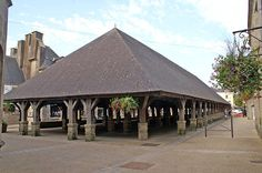 Halles de Questembert Medieval Market, Brittany, Gazebo, Arch, Outdoor Structures, House Styles, Veils, Beautiful Places, The Mansion