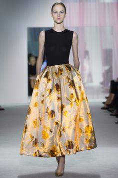 Christian Dior Parigi - Spring Summer 2013 Ready-To-Wear - Shows - Vogue. Fashion Week Paris, Runway Fashion, High Fashion, Fashion Show, Fashion Design, Fashion Trends, Vogue Fashion, Style Fashion, Haute Couture Style
