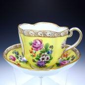 英国アンティークス Antique China, Vintage China, Vintage Teacups, Coffee Cups, Tea Cups, Yellow Cups, Chocolate Pots, Tea Cup Saucer, Afternoon Tea