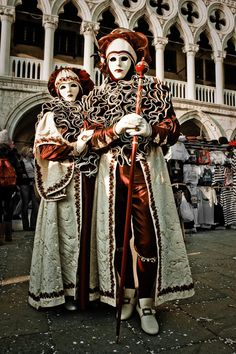 Venice Carnival 2009 - 1 by theMelodramaticFool on DeviantArt Venice Carnival Costumes, Carnival Of Venice, Rio Carnival, Carnival Masks, Clowns, Joker Clown, Costume Venitien, Venice Mask, Anastasia