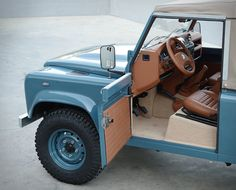 If we were to describe perfection, we´d probably use these images. The guys over at Cool & Vintage have restored another one of a kind vehicle, this beautiful Land Rover Heritage is in pristine condition, was fully restored to the highest sta Defender 90, Land Rover Defender 110, Land Rover Defender Interior, Range Rover Interior, Land Rover 88, Land Rover Series 3, Coventry, Cool Vintage, Vintage Cars
