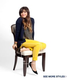 bright pants, polka dots, and a cardi. Classic Clothes, Classic Outfits, Casual Outfits, Cute Outfits, Fashion Outfits, Yellow Jeans, Yellow Cardigan, Blue Pants, Cardigan Outfits