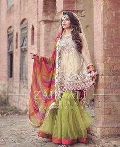 Meaningful Condition To Us - Afuni's Knowledge Hub Beautiful Pakistani Dresses, Pakistani Formal Dresses, Pakistani Party Wear, Pakistani Wedding Outfits, Pakistani Dress Design, Indian Dresses, Pakistani Gharara, Pakistani Mehndi, Pakistani Clothing