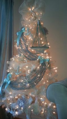 Beachy Christmas décor