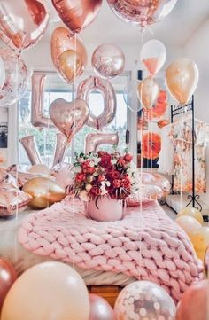 11 Valentine's Day DIY Party Decoration Ideas for Your House! Valentines Day Party, Valentines Day Decorations, Birthday Decorations, Walmart Valentines, Valentines Surprise, Valentine Cake, Saint Valentine, Valentine Heart, Valentinstag Party