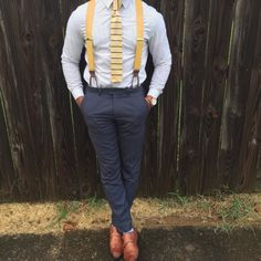 Yellow knit tie and yellow suspenders. Suspenders And Tie, Suspenders Outfit, Homecoming Outfits For Guys, Homecoming Ideas, Suits For Guys, Casual Groomsmen, German Outfit, Yellow Ties, Wedding Suits