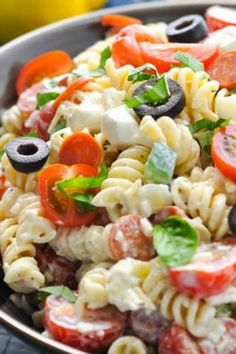 The RECIPE Full of fresh, flavorful ingredients, this Creamy Italian Pasta Salad is a quick and easy dish for picnics, potlucks, or light and satisfying dinners. Crab Pasta Salad, Best Pasta Salad, Tortellini Salad, Summer Pasta Salad, Pasta Salad Italian, Pasta Salad Recipes, Summer Salads, Sauce Recipes, Pasta Nutrition