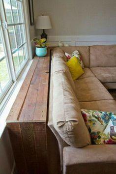 Best DIY Small Living Room Ideas On A Budget 26 - TOPARCHITECTURE