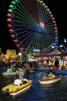 Las noches en el Real de la Feria en La Opinión de Málaga.