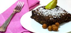Can you even call this a dessert? The answer is: yes! These raw vegan brownies are drool-worthy and pack a powerful nutritional punch. Raw Vegan Brownies, Fudgy Brownies, Raw Vegan Recipes, Vegan Vegetarian, Raw Cacao Powder, Best Chef, A Food, Food Processor Recipes, Punch
