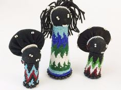 Charming custom of mother's giving their about to be married daughters a Makoti doll to wish her good luck! #AfricanZulu Seed Beads Hand Beaded South Africa 3 Doll Matron Makoti Isiqoko #BeadedDolls