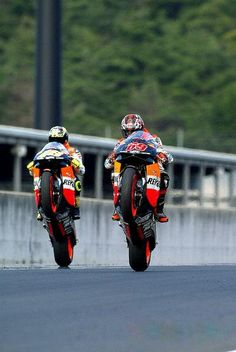 Nicky Hayden and Valentino Rossi Japanese GP Motegi 2003