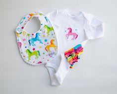 0-3m Baby Girl Bib and Bodysuit Set Rainbow Unicorn Ruffle Butt