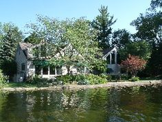 Detroit area 2Q,Twin Great prices Wonderful Cape Cod Home on Pontiac Lake
