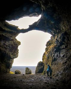 How to know when you are a StarWars fan? You see Master Yoda even in a stunning natural cave in Iceland! . . . . .  #starwars #yoda #icelandwithaview #ísland #exploreiceland #greatnorthcollective #mystopover #icelandtravel #everydayiceland #modernoutdoors #inspiredbyiceland #roamnation #exploreourearth #visualsofearth #ourlonelyplanet #wondermore #eclectic_shotz #visualscollective #thevisualscollective #thediscoverer #theoutdoors #icelandair #southiceland #roamtheplanet #nikond7500…