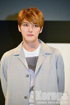 「速報」JYJキム・ジェジュン「ちょっと行ってきますけど」と入隊のあいさつも。ファッションブランド「MOLDIR」のショーケースに出演!