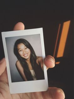 Group of: polaroid selfies. Great Pictures, Couple Pictures, Picture Ideas, Photo Ideas, Instant Film Camera, Polaroid Pictures, Experiential, Polaroid Film, Polaroids