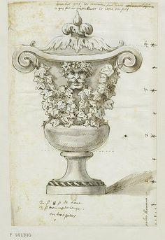 Vase de marbre gris à décor de vigne, 1722
