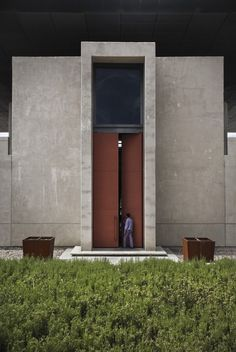 Entrance door - O. Fournier Winery in Mendoza Argentina by Bórmida & Yanzón Architecture Durable, Facade Architecture, Residential Architecture, Amazing Architecture, Contemporary Architecture, Landscape Architecture, Minimal Architecture, Contemporary Houses, Chinese Architecture