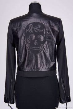 Куртка женская с аппликацией стилизованный череп р.44 – купить в интернет-магазине на Ярмарке Мастеров с доставкой