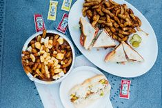 Les meilleurs casse-croûtes du Québec : nos suggestions d'adresses Cake Works, American Cake, Saveur, Chana Masala, Nyc, Ethnic Recipes, Restaurants, Food, Restaurant