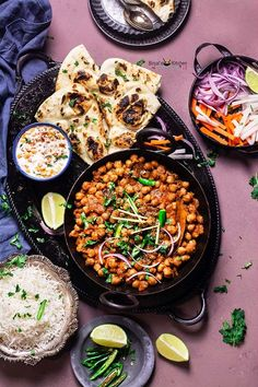 Amritsari Chole Masala ace delicacies of Punjabi cuisine. Amritsari Chole popular as Chole Bhature because Amritsari Chole often eaten with fried bread. Healthy Chinese Recipes, Asian Recipes, Ethnic Recipes, Healthy Recipes, Plant Based Diet, Plant Based Recipes, Leftover Turkey Soup, Bacon Seasoning, Rinder Steak