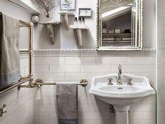 Ceramic Subway Tile Traditional Bathroom Design